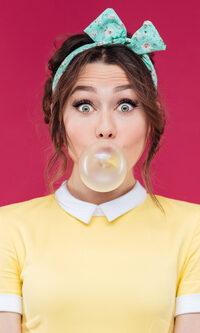 girl bubble gum bains de jouvence